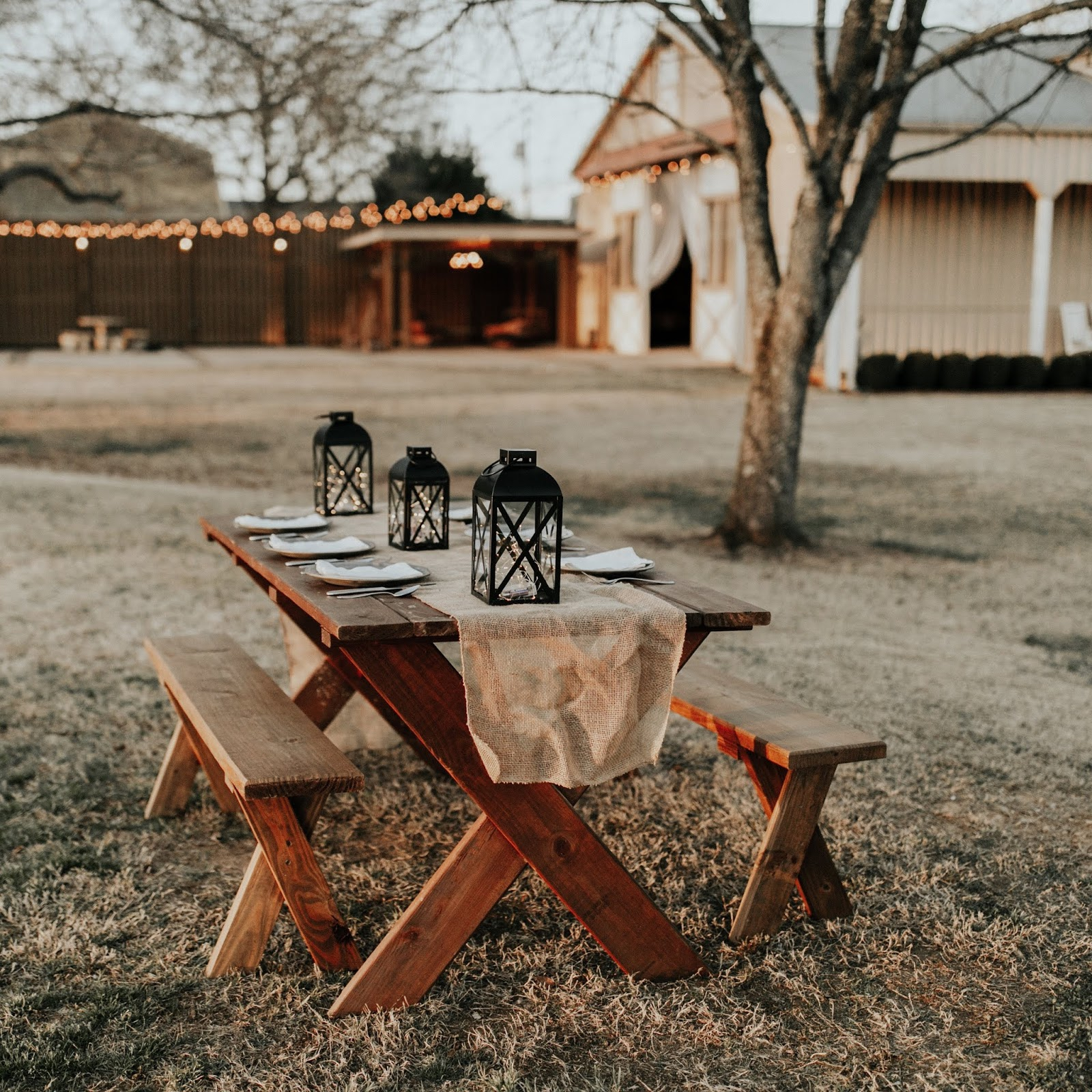 Thanksgiving Tablescape Tour Round-Up