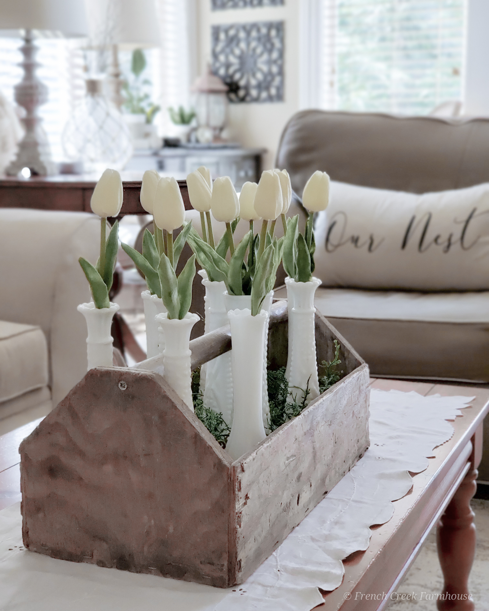 Modern farmhouse spring living room with white tulips