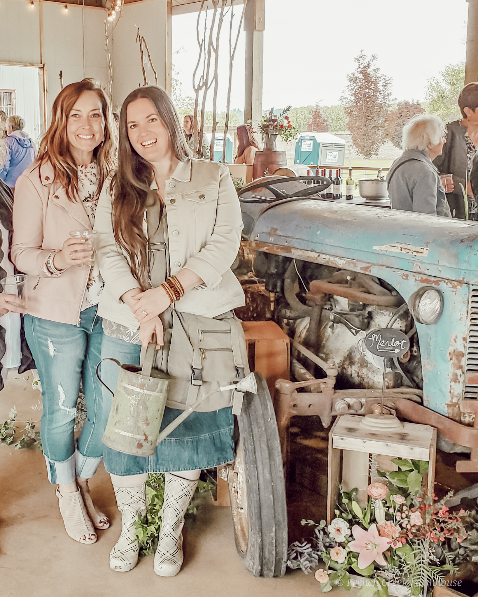 Kristi from French Creek Farmhouse has rounded up an amazing selection of vintage finds for you to shop from home