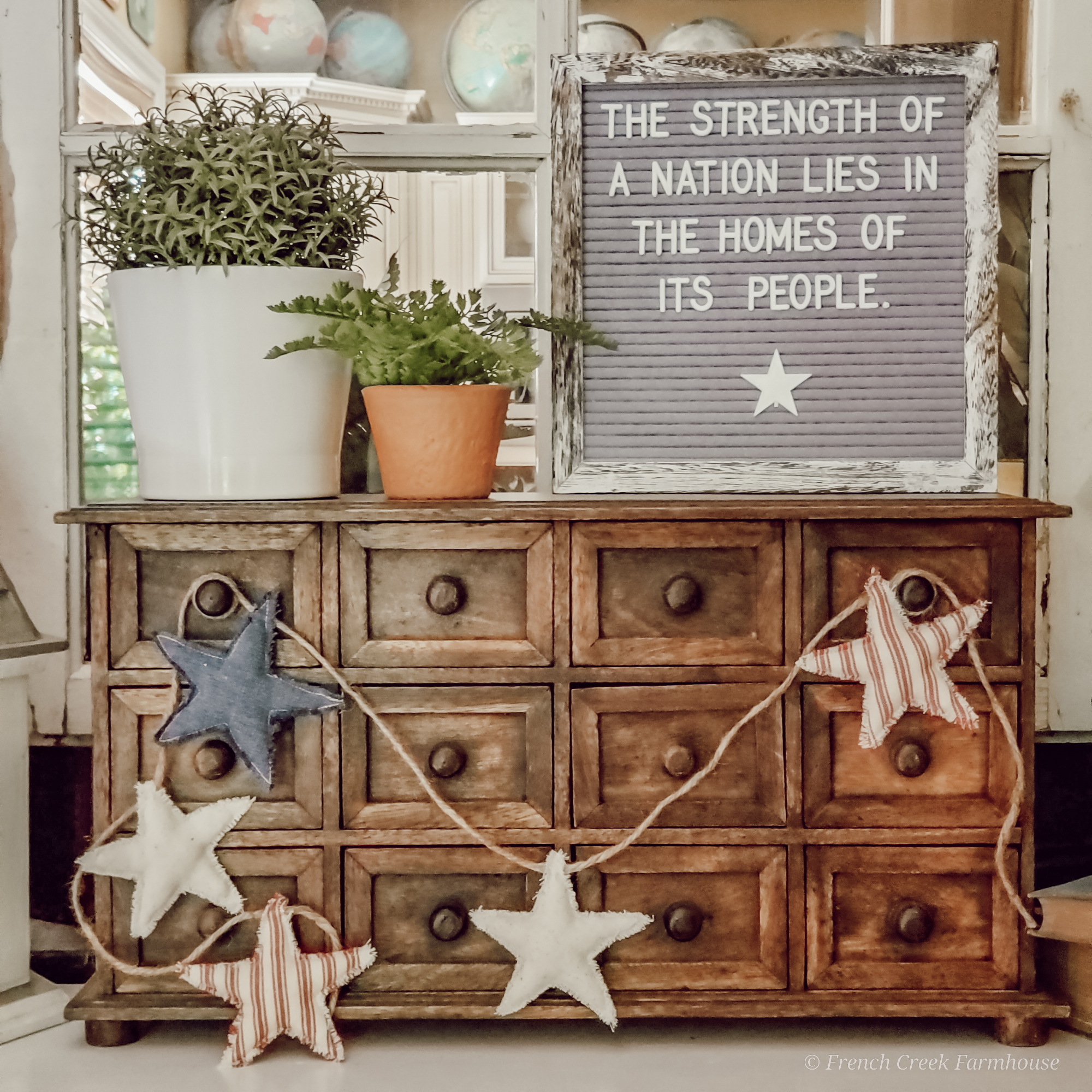 This garland looks great in your patriotic farmhouse vignettes!